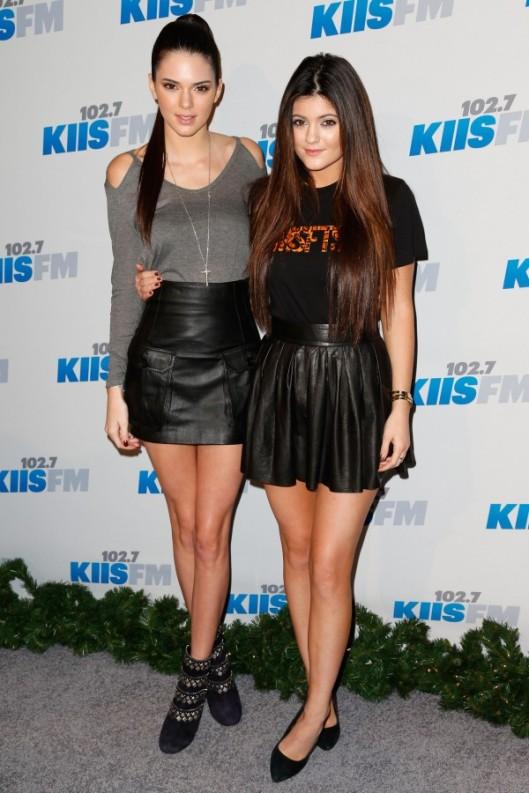 Kendall-Jenner-Kylie-Jenner-Jingle-Ball-2012-1-600x900